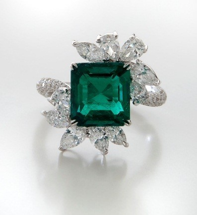 Emerald And Diamond Ring Alain R Truong Page 2