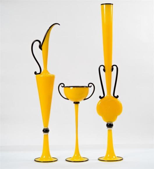 Dante Marioni (American, b. 1964), Suite of Three Yellow and Black Glass Vessels