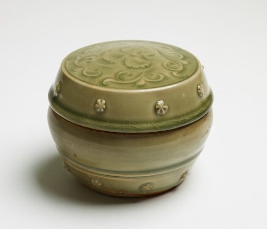 Large Yaozhou Game Box. China, Northern Song Dynasty