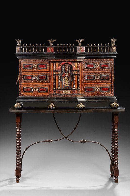 Cabinet marquet de forme architectur e flandres xviie - Cabinet ophtalmologie des flandres lille ...