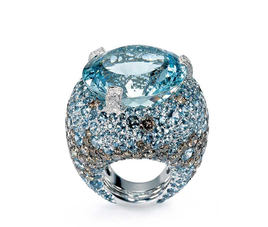 Lavish Aquamarine And White Gold Cocktail Ring Alain R